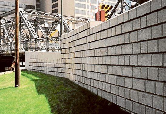 Skylift -Durahold wall