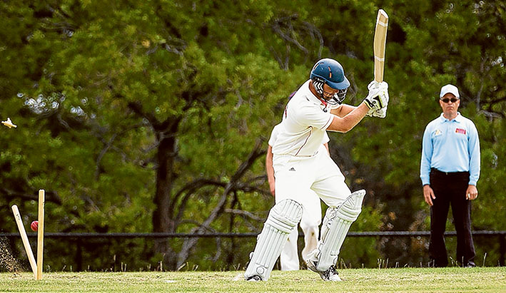 That sinking feeling:  Peninsula Old Boys rolled Sorrento for 212. They were chasing 297. Picture: Andrew Hurst