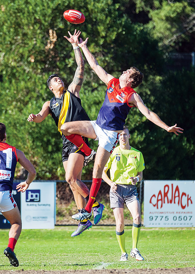 Seeing Redlegs: Mt Eliza got the points against Seaford, running out 33 point winners. Picture: Andrew Hurst