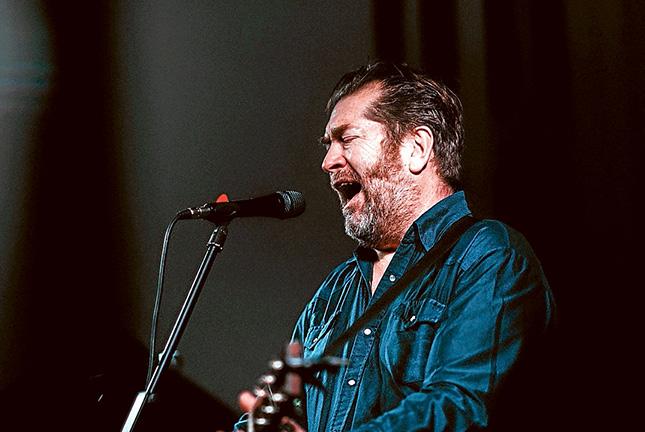 Mick Thomas live July shows
